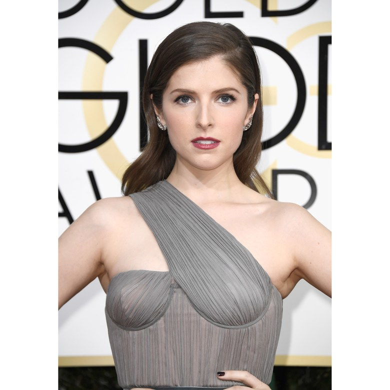 golden-globe-beauty-looks-25